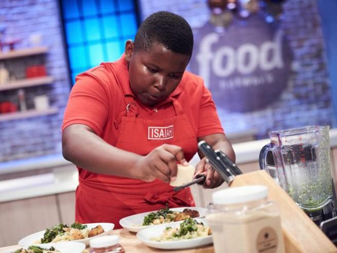 mc-isaiah-hooks-food-network-star-kid-20161113